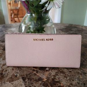 Nwts Michael Kors wallet